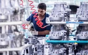 در بخش تولید خودرو و ساخت قطعه مانعی در مسیر فعالیت متقاضیان وجود ندارد